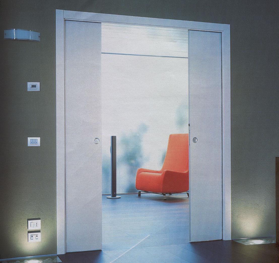 Il punto luce nel controtelaio della porta scorrevole - Porta scorrevole doppia ...